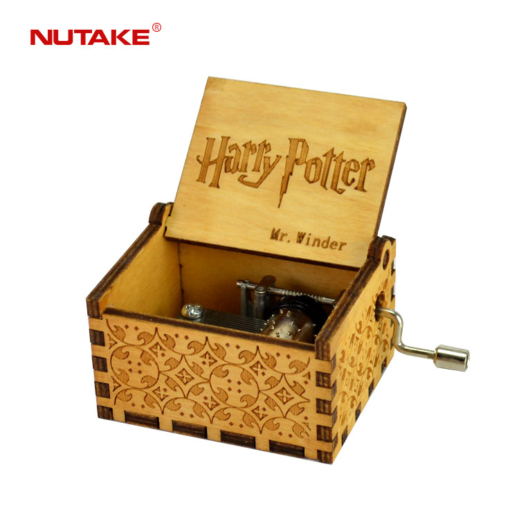 Custom wooden Harry Potter hand crank music box 55805101-02