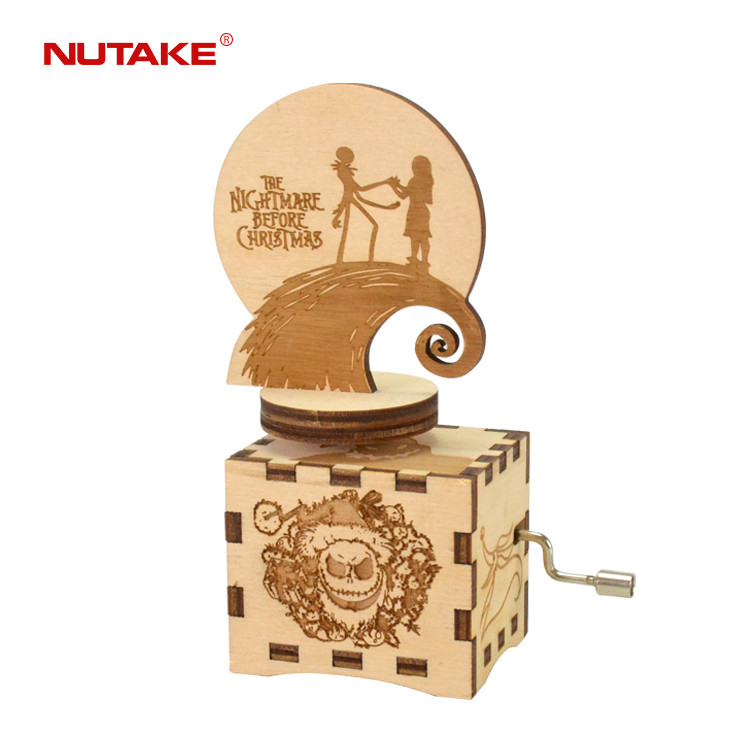 THE NIGHTMARE BEFORE CHRISTMAS wooden engraved hand crank rotating figurine music box 55805104-01