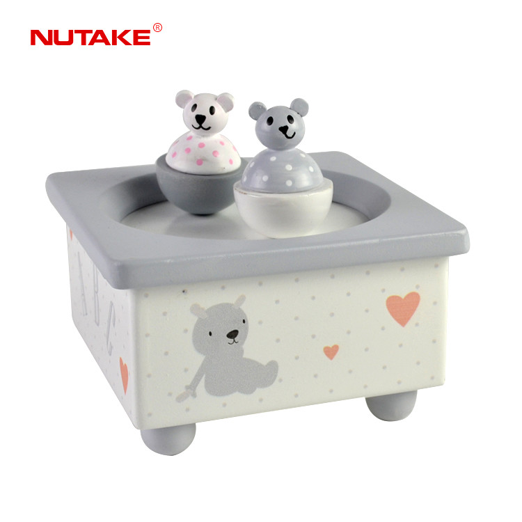 Animal shape spinning bears fantasy baby music box 55803213