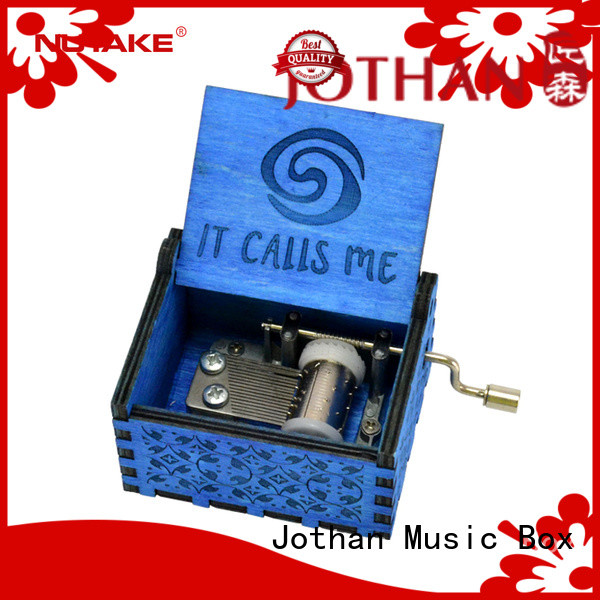 Wholesale mechanical hand crank music box for business for sale